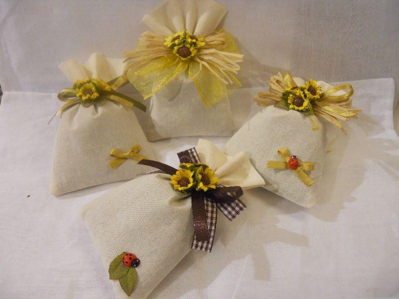 Bomboniere Girasoli Matrimonio : Bomboniera sacchetto con lavanda quot girasoli le